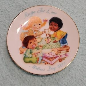 "AVON MOTHER'S DAY PLATE~""Recipe For Love"" 1993"